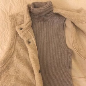 Cable & Gauge Silver Sleeveless Turtleneck
